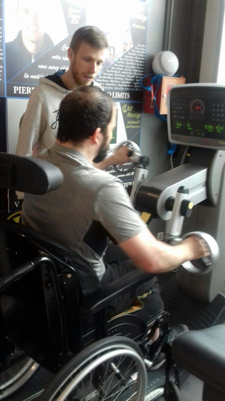 Vitalliance propose le sport adapté à un client d'Angers