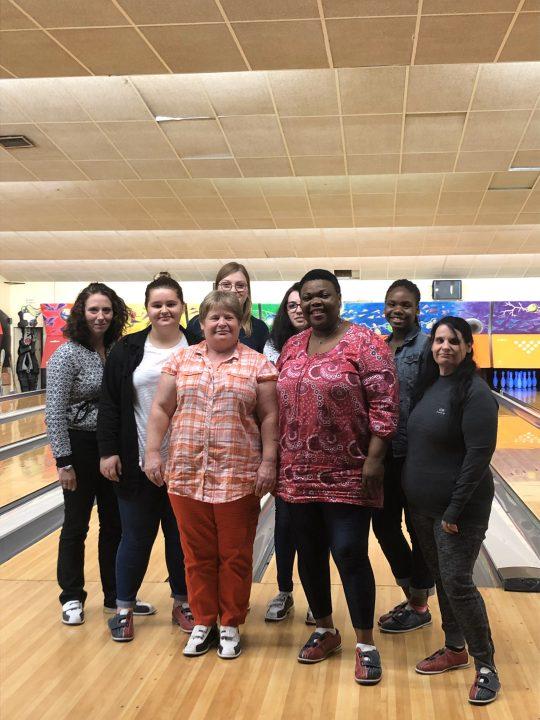 Vitalliance, service d'aide à domicile emmène ses auxiliaires de vie au bowling